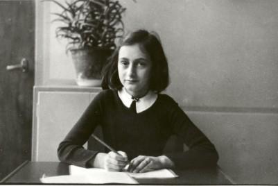 anne-frank-refugee