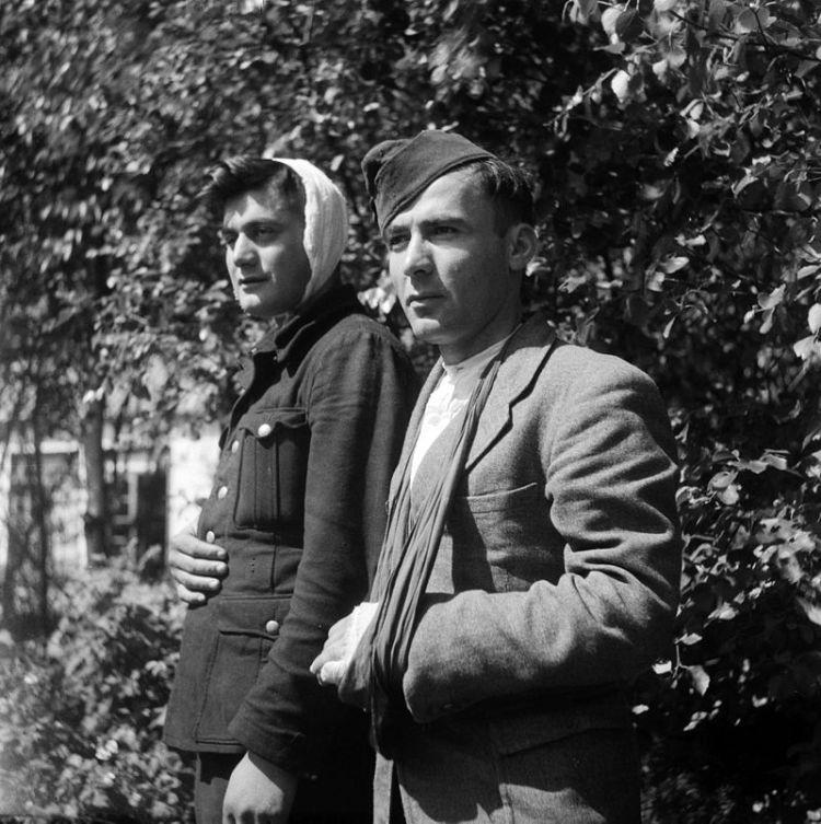 Georgische_soldaten_op_Texel_(19_november_1945)