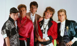 1985 --- Members are, from left to right, John Keeble, Gary Kemp, Tony Hadley, Martin Kemp, and Steve Norman. --- Image by © Fabio Nosotti/CORBIS