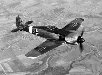 800px-Focke-Wulf_Fw_190_050602-F-1234P-005