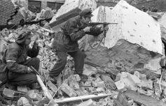 Warsaw_Uprising_by_Chrzanowski_-_Henio_Roma_-_14828