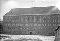 250px-Bundesarchiv_Bild_102-11695,_Brandenburg,_Hauptgebäude_des_Zuchthauses