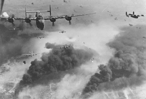 800px-B-24D's_fly_over_Polesti_during_World_War_II