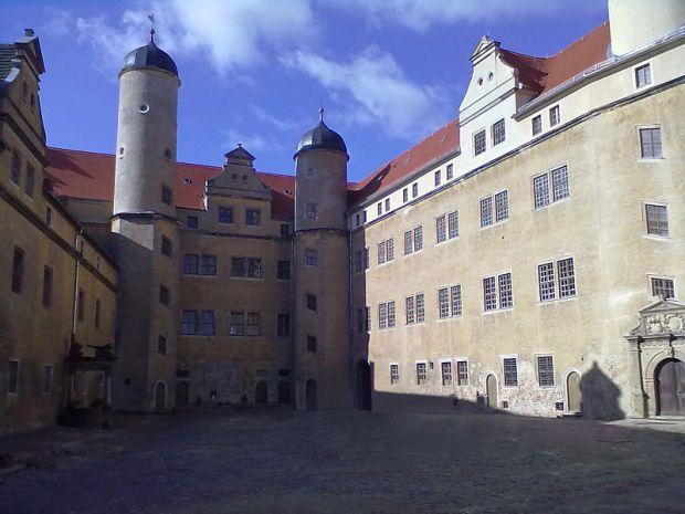 800px-Schloss_Lichtenburg01