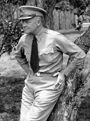 Dwight_D._Eisenhower_as_General_of_the_Army_crop