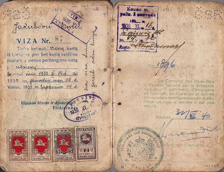 Jan_Zwartendijk_hand_signed_visa_from_1940