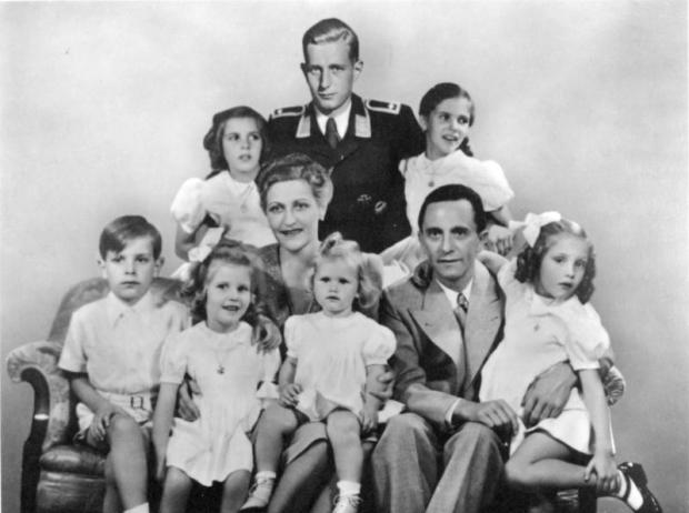 _Joseph_Goebbels_mit_Familie