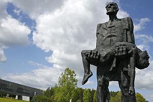 Khatyn_Memorial,_Belarus (1)