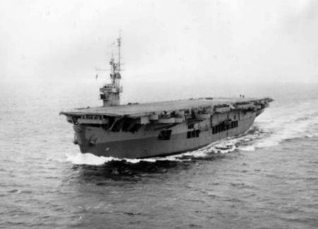 450px-USS_Suwannee;0302718