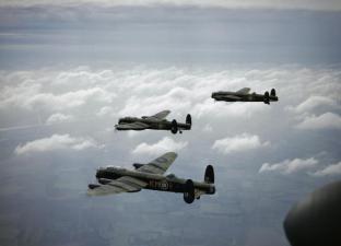 Lancaster_B_MkI_44_Sqn_RAF_in_flight_1942