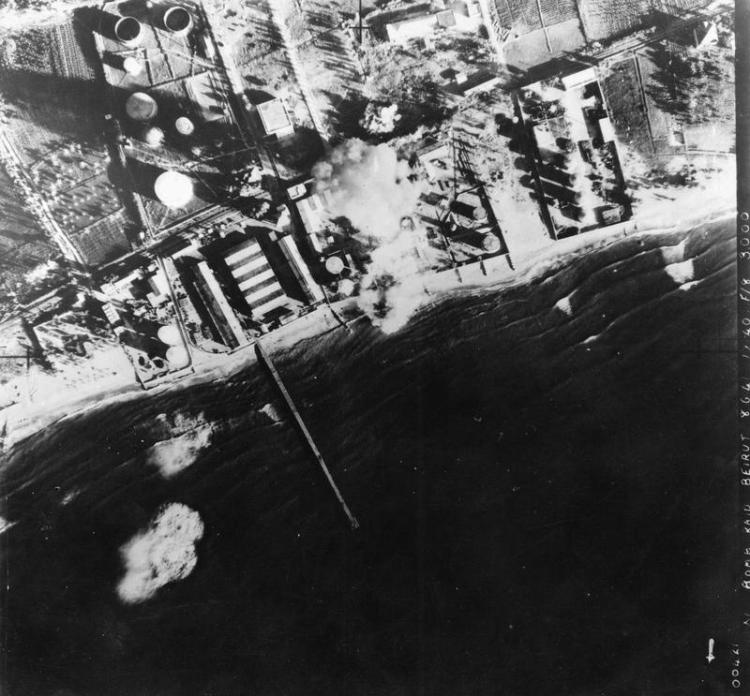 11_Squadron_RAF_Blenheims_bombing_Beirut_1941_IWM_HU_93073
