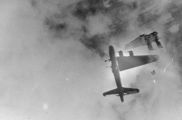 3-over-100000-allied-bomber-crewmen-were-killed-over-europe