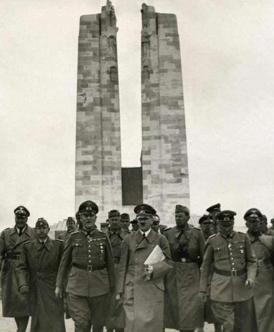 Hitler_touring_Vimy_Memorial_in_June_1940