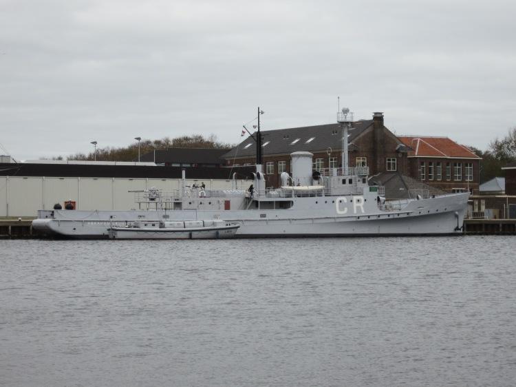 HNLMS_Abraham_Crijnssen_Oct_2011
