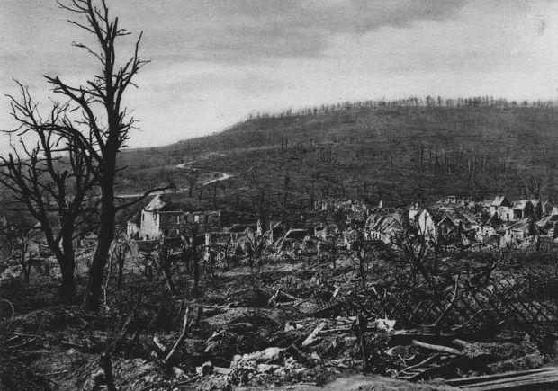 1024px-Soupir_(Aisne)_nach_den_April-Angriffen_1917