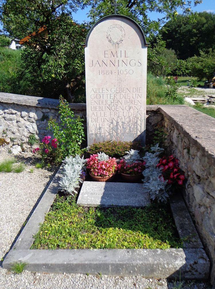 Friedhof_St_Wolfgang_im_Salzkammergut_-_Emil_Jannings