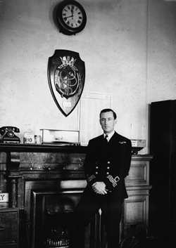 Pictured: The writer Ian Fleming. Photograph: Sidney Beadell. 20th November 1945. Neg No: M4280/S. The Times Newspapers Ltd. Ian Fleming joined Kemsley Newspapers on 12th November 1945 until 31st December 1959.