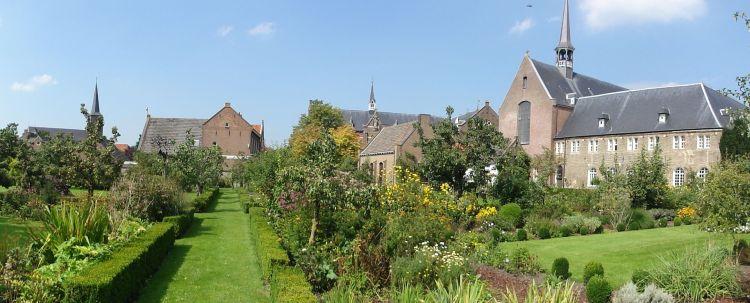 Megen_panorama,_kerk,_latijnse_school,_klooster,_hof_van_lof