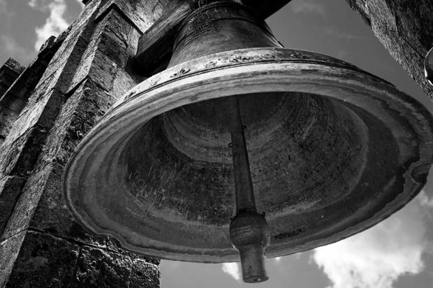 Wem-die-Glocke-schlaegt (1)