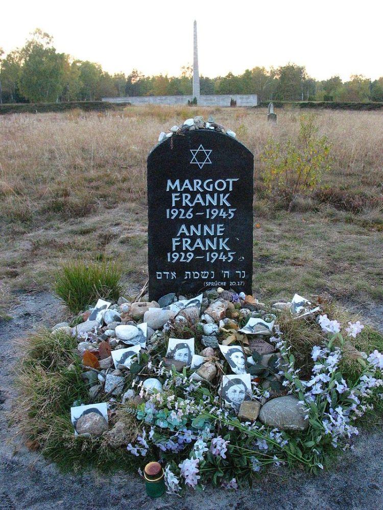 800px-Anne_frank_memorial_bergen_belsen