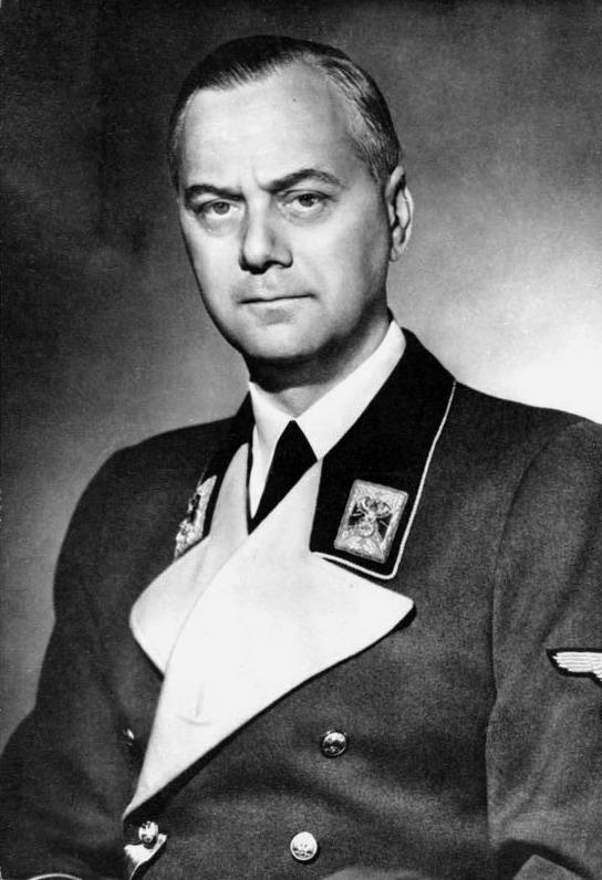 Bundesarchiv_Bild_183-1985-0723-500,_Alfred_Rosenberg