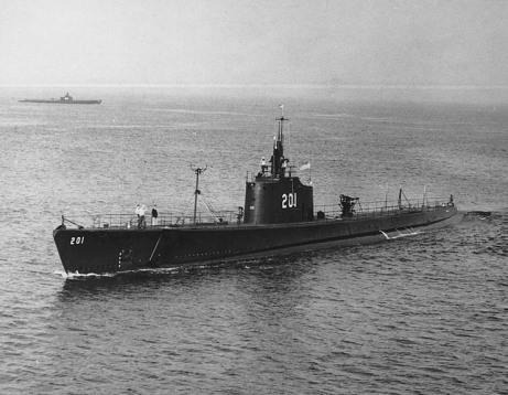 USS_Triton_(SS-201)_H99279