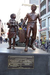 800px-kindertransport_memorial_berlin