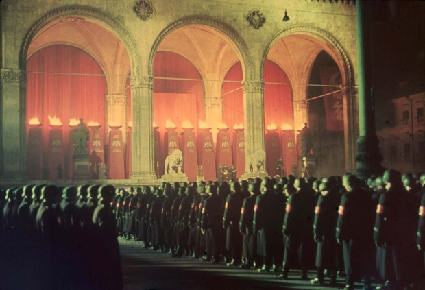 annual-midnight-swearing-in-of-nazi-ss-troops-feldherrnhalle-munich-1938