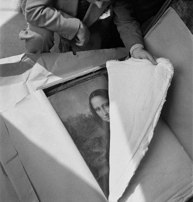 historical-photos-pt8-mona-lisa-return-louvre-ww2-1945