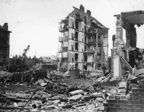 damage_caused_by_v2_rocket_attacks_in_britain_1945_hu88803