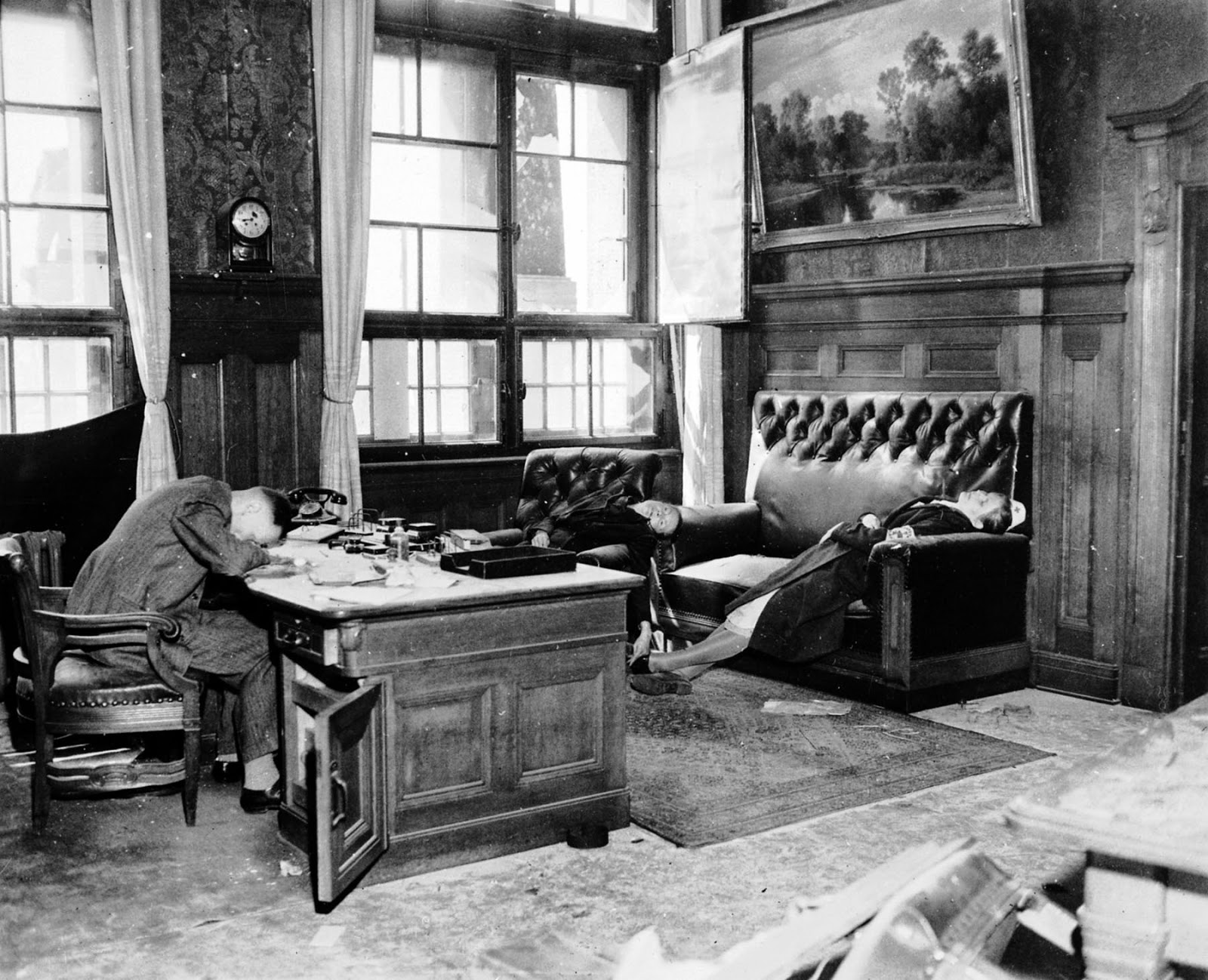deputy-mayor-ernst-kurt-lisso-and-his-family-after-committing-suicide-by-cyanide-to-avoid-capture-by-us-troops-1945-1