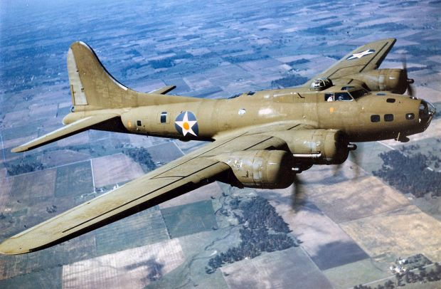 1024px-color_photographed_b-17e_in_flight