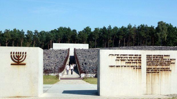 1280px-pl_belzec_extermination_camp_1
