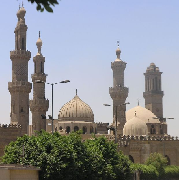 800px-cairo_-_islamic_district_-_al_azhar_mosque_and_university