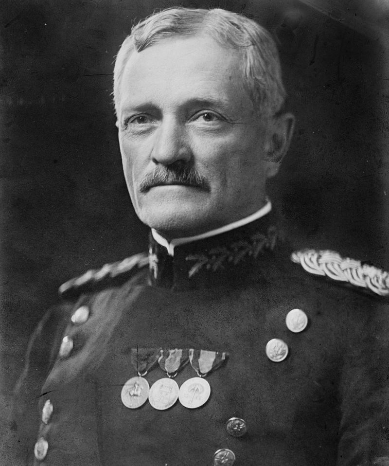 800px-general_john_joseph_pershing_head_on_shoulders