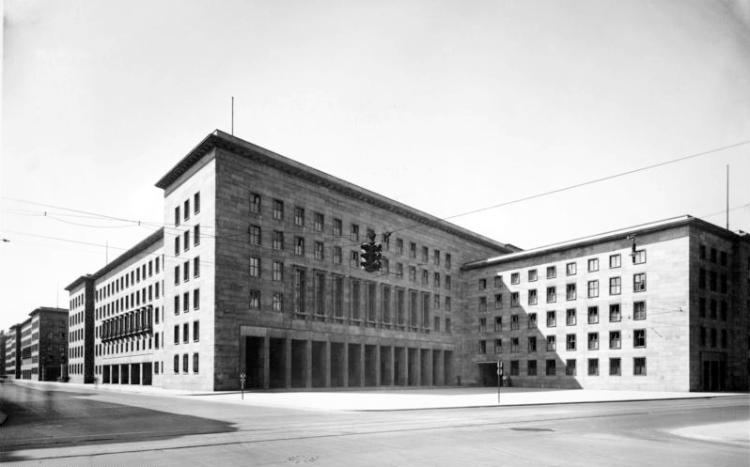 bundesarchiv_bild_146-1979-074-36a_berlin_reichsluftfahrtministerium