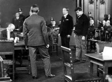 01 Marinus van der Lubbe tijdens zijn proces. 1933