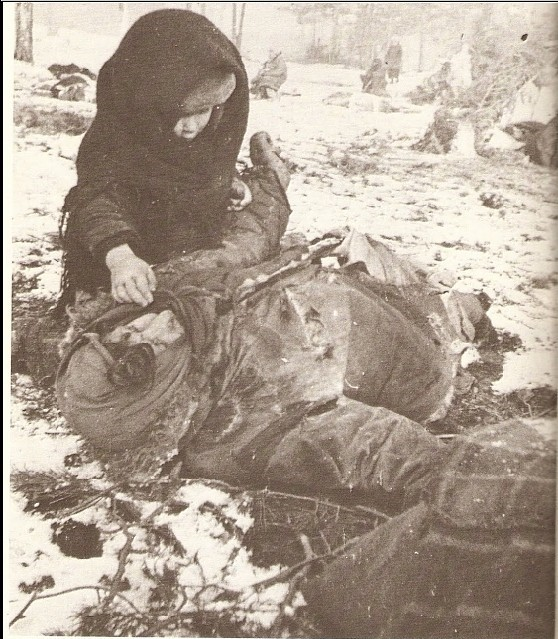 soviet-civilians-camp_-child-by-his-mother