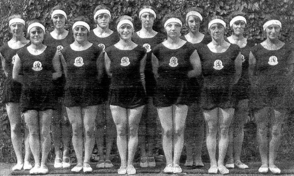 turnerinnen_der_niederlandischen_goldriege_von_1928
