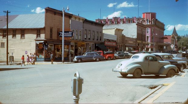 1280px-leadville__the_hotel_vendome__colorado__1950s__kodachrome_by_chalmers_butterfield