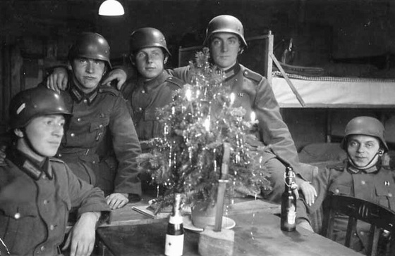 Ww2 Christmas Day.Christmas During Wwii History Of Sorts