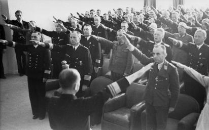 Frankreich, Dönitz bei Offizieren