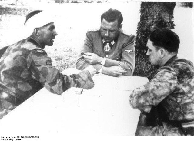 bundesarchiv_bild_146-1988-028-25a_frankreich_invasionsfront-640x465