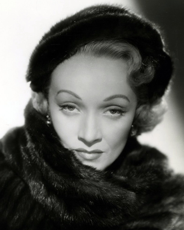 marlene_dietrich_in_no_highway_1951_cropped-1