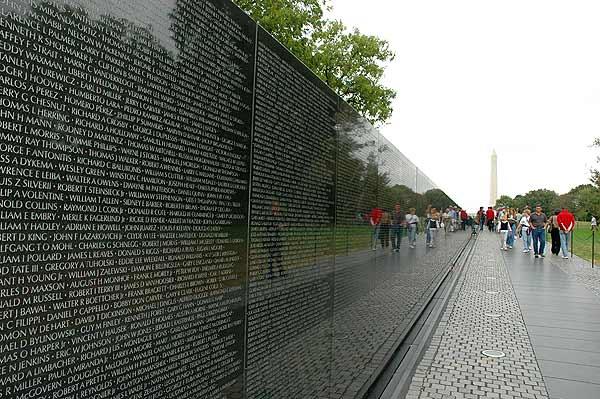 uid_107_vietnam-memorial1