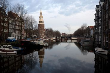 amsterdam_the_netherlands_-_rapenburgwal