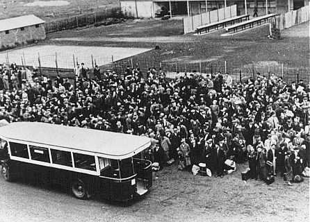 jews-arrive-at-the-drancy-transit-camp