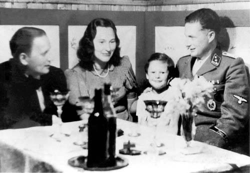 lonauer-with-family