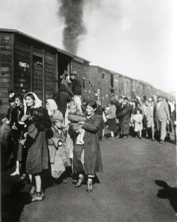 deportation_to_treblinka_from_ghetto_in_siedlce_1942