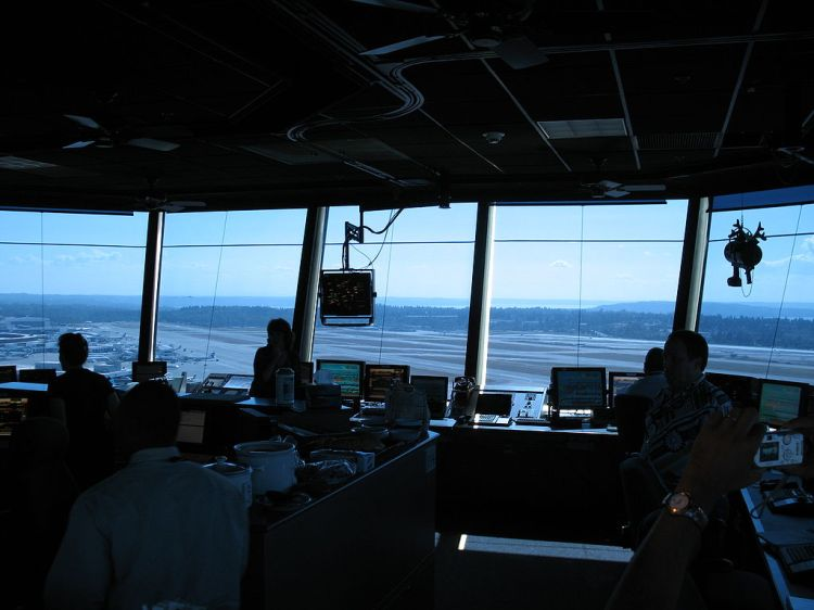 1024px-ksea_tower_interior